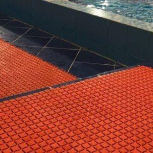 Напольное покрытие Сату-Лагуна в бассейне.
