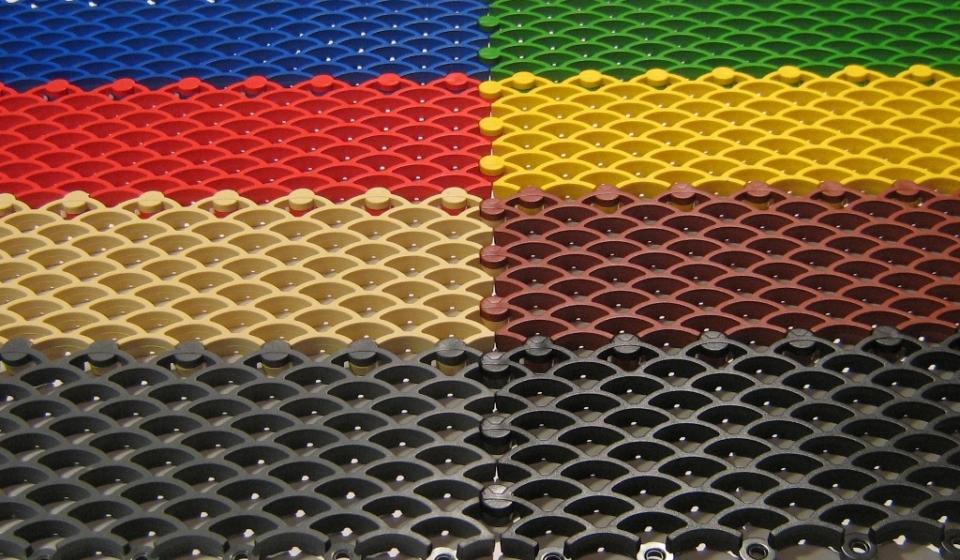 Сату-Аква, синий, зеленый, красный, желтый, бежевый, коричневый, серый, черный.
