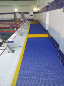 Дорожка, коврик для бассейнов, скручивающаяся в рулон.