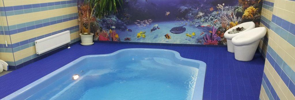Напольное покрытие в частный бассейн.